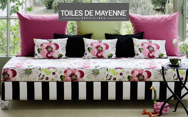 Toiles De Mayenne Furniture Fabric 45785